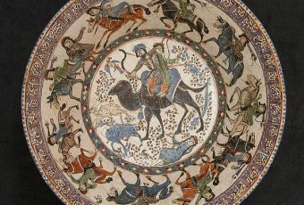 Discrepancies in the Classification of the Rayy and Kashan Styles